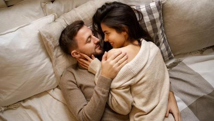 Ssst! Ini Bagian Tubuh Pria Paling Sensitif yang Bikin TURN ON!