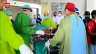 VIDEO: 6 Korban Luka Bakar Ledakan Kilang Minyak Tiba Di RSPP