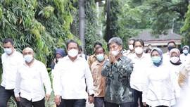 Kunker Menteri Trenggono Disambut Kerumunan, Warga Membeludak