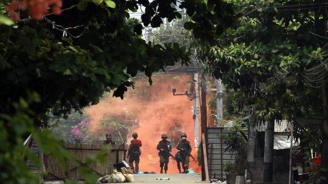 Setidaknya 20 orang dilaporkan tewas dalam bentrokan antara militer Myanmar dan kelompok milisi etnis di sebuah desa di Kota Kyonpyaw