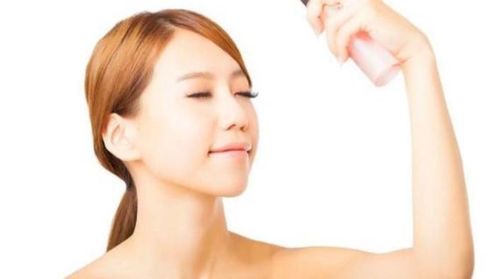 Rekomendasi Setting Spray untuk Membuat Make Up Tahan Lama, Anti Luntur!