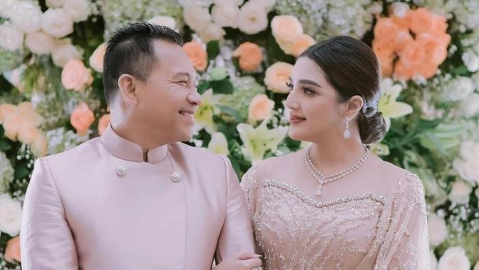 Tak Hanya Aurel dan Atta, 5 Pernikahan Artis Ini Juga Disiarkan Langsung Di TV