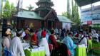 VIDEO: Takmir dan Pedagang Vaksinasi di Masjid Cheng Hoo