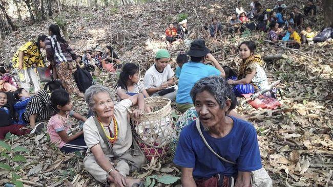 Thailand mengizinkan puluhan warga Myanmar yang terluka dan kebur ke perbatasan untuk menerima perawatan medis.