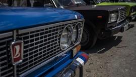 FOTO: Lada Legenda Soviet Jadi Simbol Gairah Otomotif Kuba