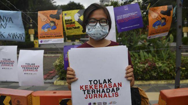 AJI menyebut pelaku kekerasan terhadap jurnalis yang terbanyak pada 2020-2021 ialah polisi, setelah itu advokat, Satpol PP, hingga orang tak dikenal.