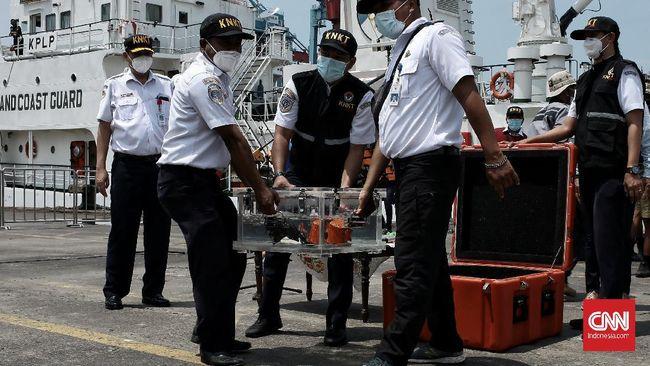 KNKT berhasil mengunduh data CVR Sriwijaya Air SJ-182 yang memuat rekaman percakapan saat kecelakaan pesawat.