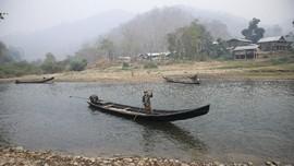 FOTO: Kampung Milisi Etnis Myanmar Terusik Kudeta Militer