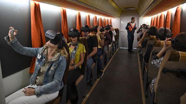 Pandemi virus Corona membuat teknologi VR dan AR semakin canggih. Anda bisa melancong ke Islandia dan Afrika hanya dalam sekejap mata.