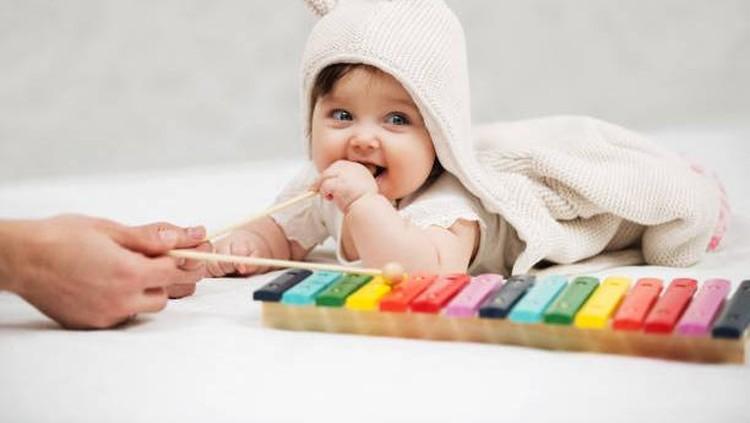 Bagi Bunda dan Ayah yang sangat menyukai musik, bisa lho memberi nama bayi perempuan yang terinspirasi dari para musisi. Intip yuk daftarnya berikut ini.