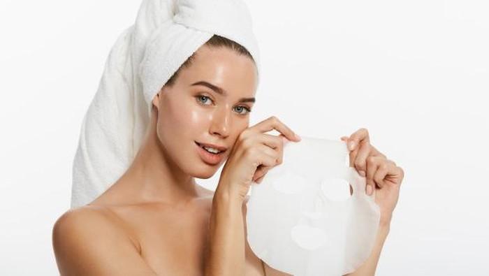 5 Cara Memanfaatkan Essence Sisa Sheet Mask, Gak Sia-sia!