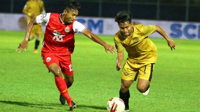 Laga Persija Jakarta vs Barito Putera di Stadion Kanjuruhan pada perempat final Piala Menpora 2021 tak terganggu gempa bumi di Malang.