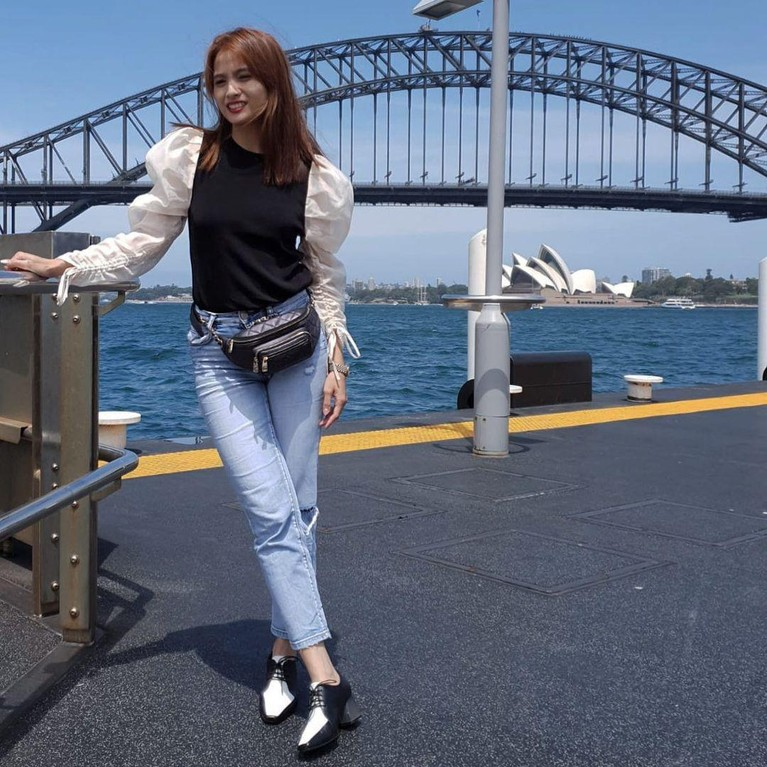 Acha Septriasa sekarang ini tengah menjalani kehidupannya sebagai seorang istri dan ibu. Intip gaya kece Acha selama tinggal di Australia, yuk!