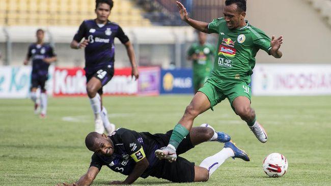 PSS Sleman berhasil mengalahkan Bali United pada babak perempat final lewat adu penalti dengan skor 4-2.