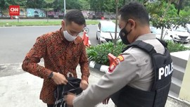 VIDEO: Kantor Polisi di Jakarta Memperketat Keamanan