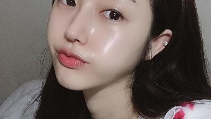 6 Kandungan Skincare yang Bikin Kulit Glowing