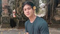 <p>Antonio Blanco Junior lahir di Denpasar, Bali, pada 28 Maret 1999. Sang ayah, Mario Blanco, adalah pelukis berdarah Spanyol-Italia, dan ibundanya asli dari Bali. (Foto: Instagram @antonioblancojr)</p>