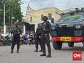 Banser NU dan Polisi Jaga Gereja Katedral Kupang NTT