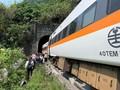 FOTO: Tabrakan Maut Kereta dan Truk di Taiwan