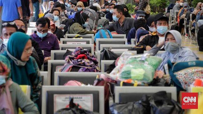 Menkes Budi Gunadi sangsi tak bisa menahan mobilitas warga hingga 100 persen pada momen Lebaran di tengah pandemi Covid-19.