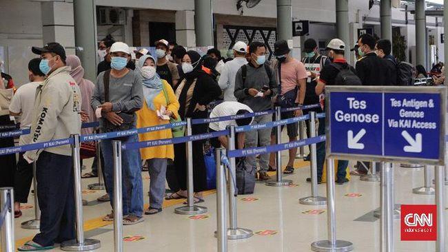 Harga tiket pesawat ke sejumlah rute naik jelang larangan mudik pada 6-17 Mei 2021. Kenaikan harga tiket pesawat terpantau terjadi di agen perjalanan online.