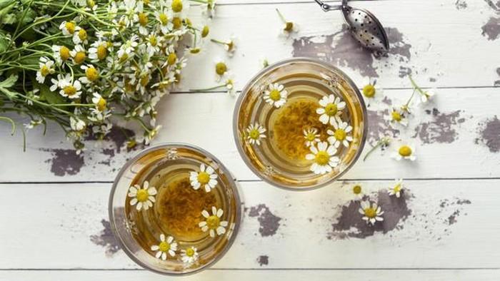 5 Jenis Teh Bunga yang Harum dan Kaya Akan Manfaat Kesehatan
