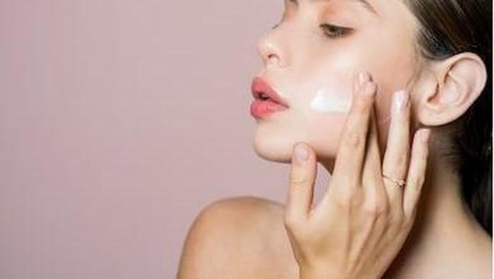 Battle Cerave vs Illiyoon, Moisturizer untuk Memperkuat Skin Barrier