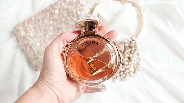 Bahaya Memakai Skincare dengan Kandungan Fragrance, Hati-hati Ladies!