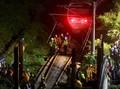 FOTO: Jerih Payah Evakuasi Korban Kecelakaan Kereta Taiwan