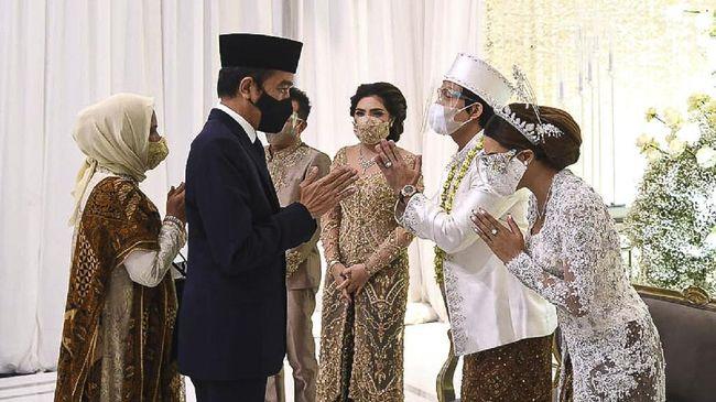 Akun twitter Kemensetneg mengunggah peristiwa Presiden Jokowi menghadiri pernikahan Atta-Aurel. Sebagian netizen mengkritik, tak sedikit yang mengapresiasi.
