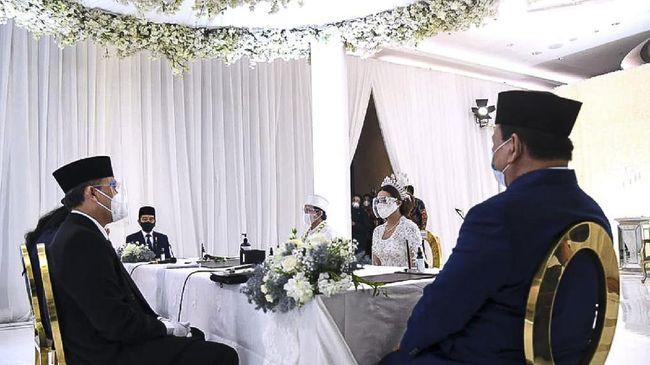 Youtuber Atta Halilintar dan Aurel Hermansyah akhirnya resmi menikah pada Sabtu (3/4) di Hotel Raffles, Kuningan, Jakarta Selatan.
