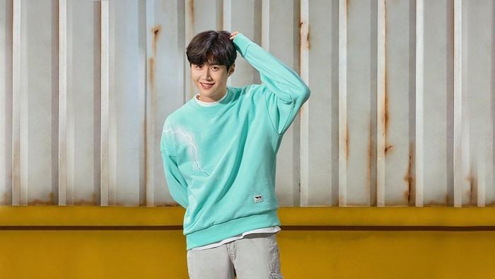 Intip Pemotretan Terbaru Kim Seonho, Terlihat Cute Banget!