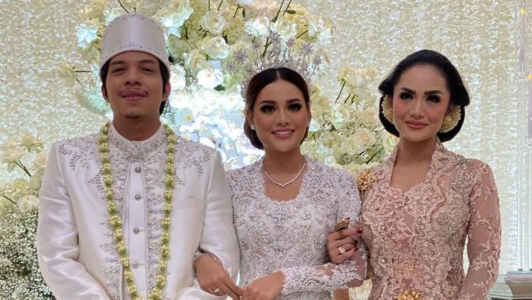 Makeup Krisdayanti di pernikahan Aurel Hermansyah dan Atta Halilintar.
