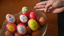 Warga Myanmar Tuangkan Protes Antikudeta di Telur Paskah
