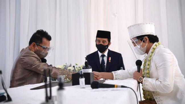 Selebritas Anang Hermansyah memuji Presiden Jokowi dan Menteri Pertahanan Prabowo Subianto setelah keduanya dikritik lantaran menghadiri pernikahan Aurel-Atta.