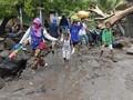 839 Warga Pulau Adonara NTT Mengungsi Akibat Banjir Bandang