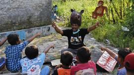 FOTO: Menyelamatkan Hutan Bakau Lewat Dongeng dan Boneka