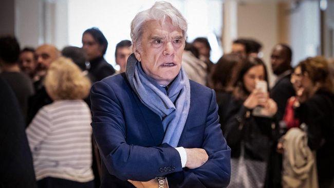 Mantan menteri dan taipan Prancis sekaligus mantan pemilik Adidas Bernard Tapie diserang oleh perampok.