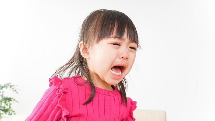 Ilustrasi anak menangis