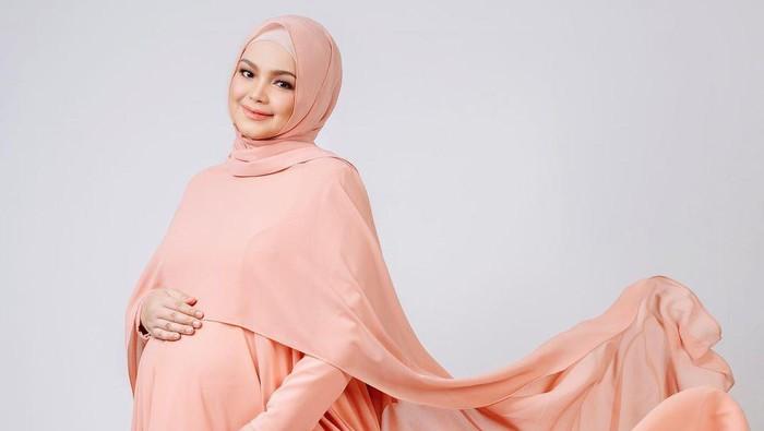 Pesona Siti Nurhaliza, Makin Cantik di Kehamilan Kedua