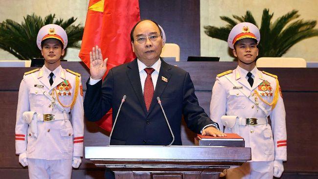 Perdana Menteri Vietnam Nguyen Xuan Phuc, resmi dilantik menjadi presiden. Dia adalah sosok di balik keberhasilan penanganan Covid-19 Vietnam.
