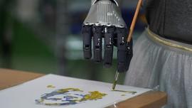 FOTO: Sophia, Sang Robot Seniman Berharga Rp10 Miliar
