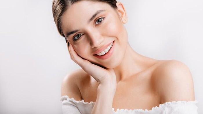 4 Mitos Tentang Pori-pori Wajah yang Gak Perlu Lagi Dipercaya