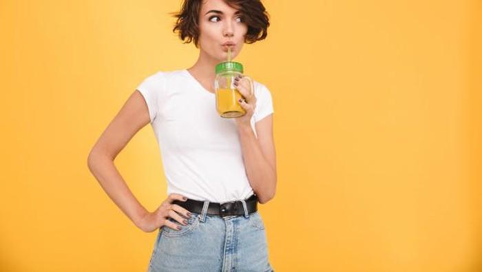 5 Minuman Terbaik untuk Mengatasi Jerawat, Kulit Jadi Bersih dan Glowing!