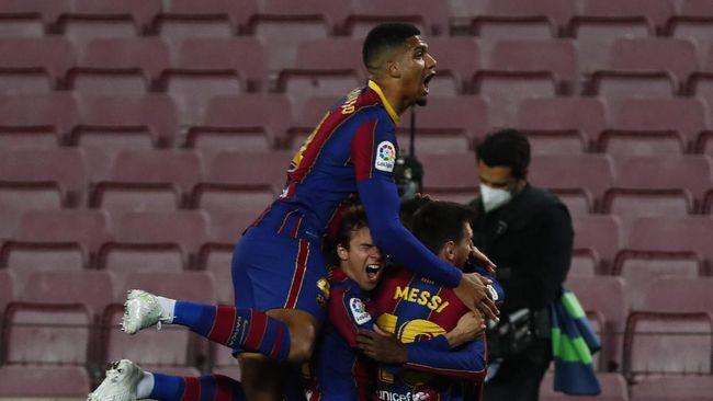 Barcelona menang 5-2 atas Getafe dalam lanjutan Liga Spanyol pekan ke-31. Tiga poin ini membuat Barca menempel duo Madrid di posisi 1 dan 2 klasemen sementara.