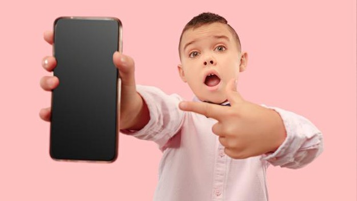 Etika Bermain Media Sosial yang Harus Diajarkan Pada Anak