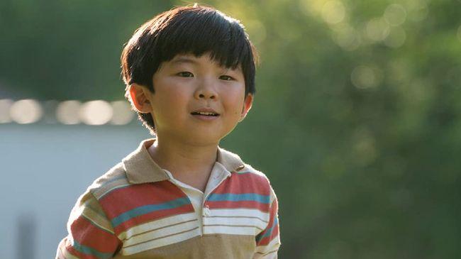 Review Minari menilai, dengan kisah yang personal dan menyentuh sanubari orang Asia, film ini layak masuk menjadi nominasi Best Picture Oscar 2021.