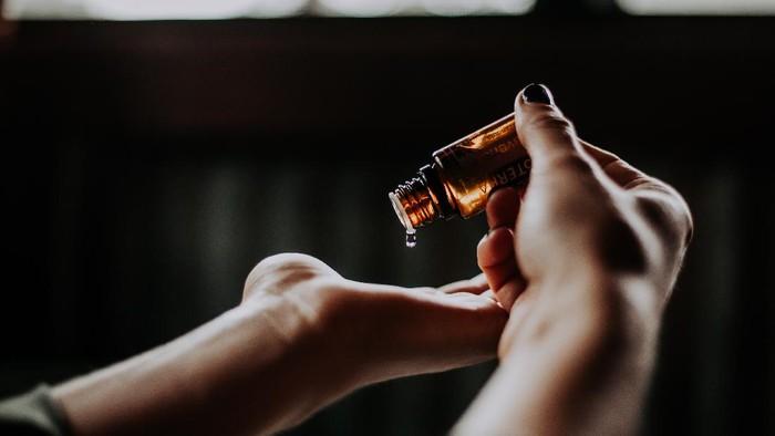 Ingin Coba Face Oil Tapi Kulit Berminyak? 6 Face Oil Ini Bisa Jadi Pilihanmu