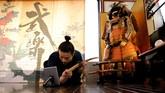 Kelas seni samurai di Jepang digelar secara daring selama pandemi Covid-19 untuk memenuhi permintaan para peminat seni bela diri tersebut.