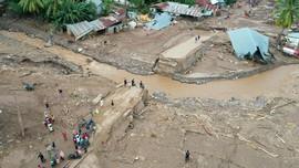 KLHK Bantah Penebangan Hutan Penyebab Banjir Bandang NTT
